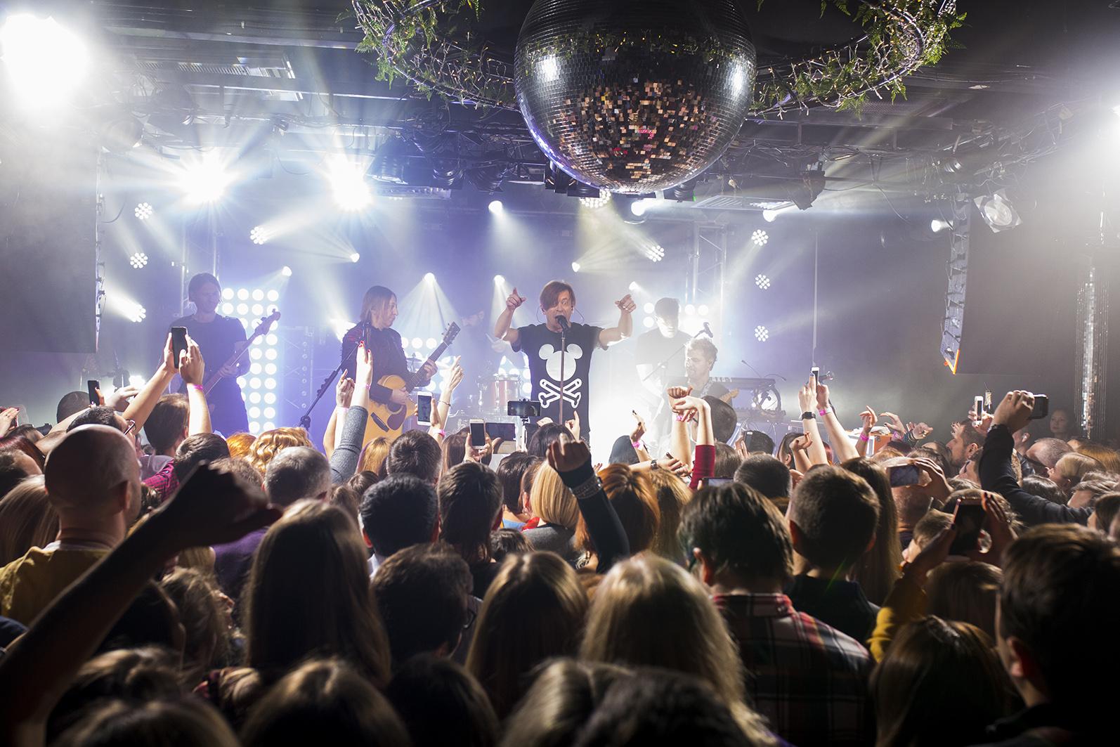 Би 2 концерт в клубе в москве клуб аэронавт в москве